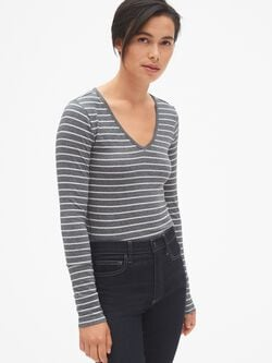 a9f3443f Featherweight Long Sleeve Stripe V-Neck T-Shirt