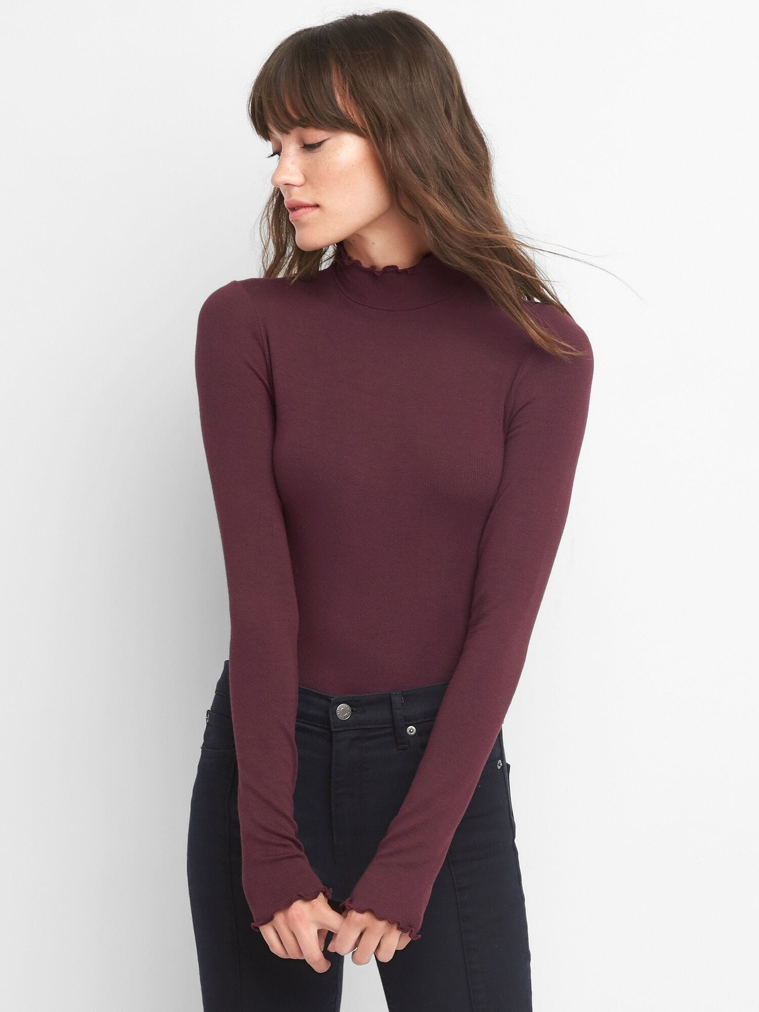 13470027b1d3 Ruffle ribbed turtleneck